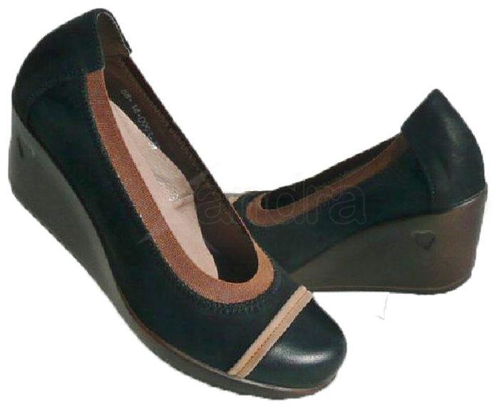 Kožené topánky na kline KARINO - čierne - kabelkyaobuv.sk - Xandra ... 543cd350724