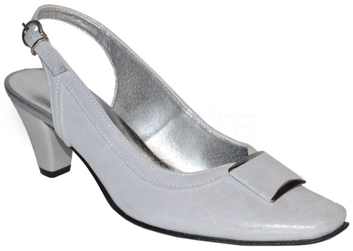 465584261ccd Elegantné kožené spoločenské sandálky - strieborné - kabelkyaobuv.sk ...