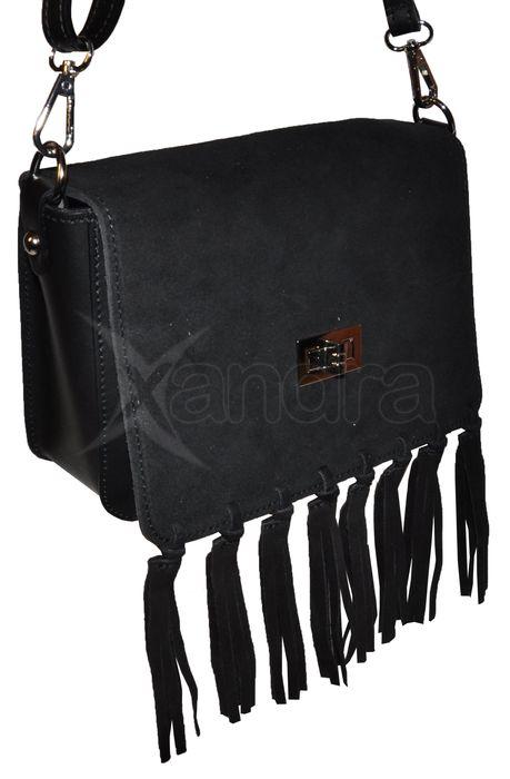 939be4ee87 Dámska kožená crossbody kabelka 9694 - čierna so strapcami ...