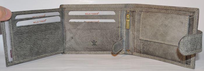 56920082b Pánska kožená peňaženka WILD TIGER - svetlo-šedá - kabelkyaobuv.sk ...