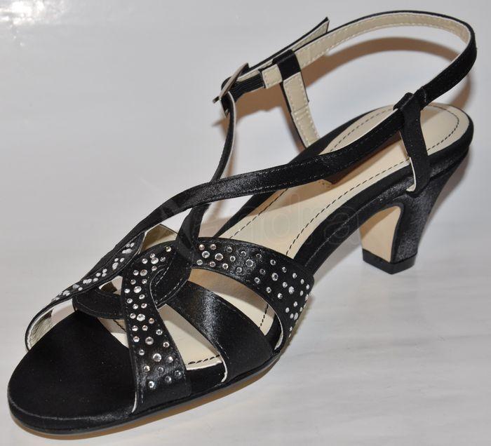 a0f0c09caf7d Elegantné spoločenské sandále - čierne Elegantné spoločenské sandále -  čierne ...