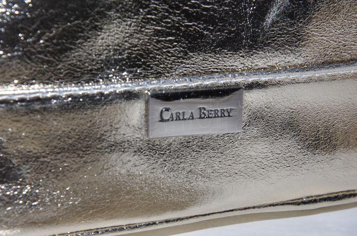 Elegantná kožená kabelka CARLA BERRY - zlatá - kabelkyaobuv.sk ... 4bc125913bc