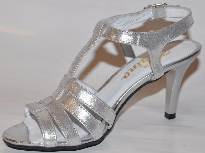 a0cdffe05493 Elegantné kožené sandálky - strieborné Elegantné kožené sandálky -  strieborné