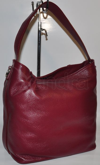 Dámska kožená kabelka na rameno Laura Biagi 8382 - bordová ... d2f2d5a3d4a