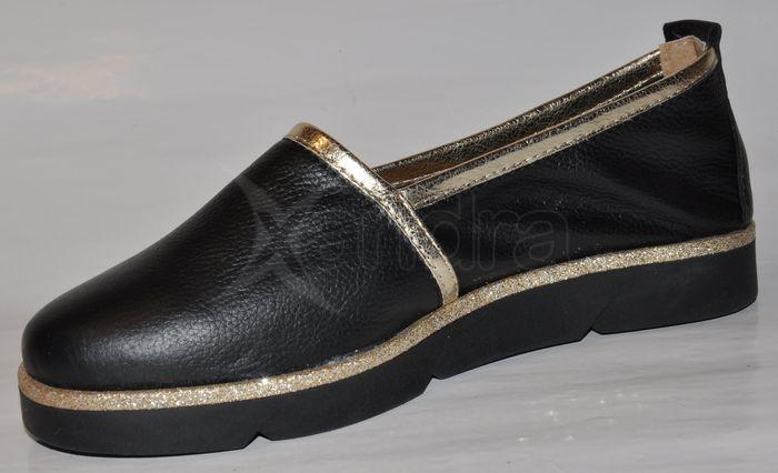 b1a1f97f4103 Dámske kožené topánky OLIVIA 8776 - čierno-zlaté - kabelkyaobuv.sk ...