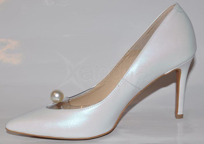 c0728b7c8 ... Dámske kožené lodičky Nescior 9679 - biele s perličkou ...
