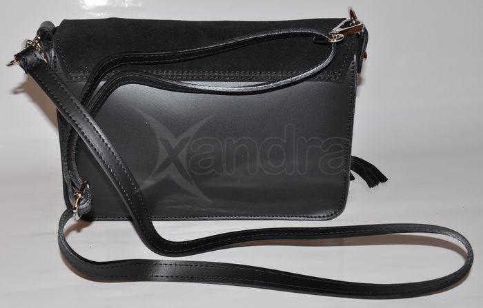 Dámska kožená crossbody kabelka 9694 - čierna so strapcami ... 167852a867b