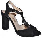 cc6ddd8b6980 Dámske kožené sandálky CORTESINI 9716 s krajkou - čierne